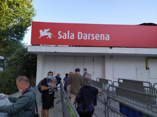 Coda alla Sala Darsena