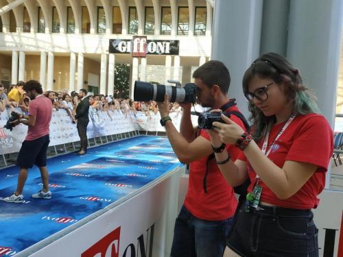 i nostri fotografi accreditati si preparano sul Blu Carpet